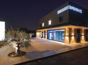Read more about the article Solidità e certezze al servizio dell'estetica professionale